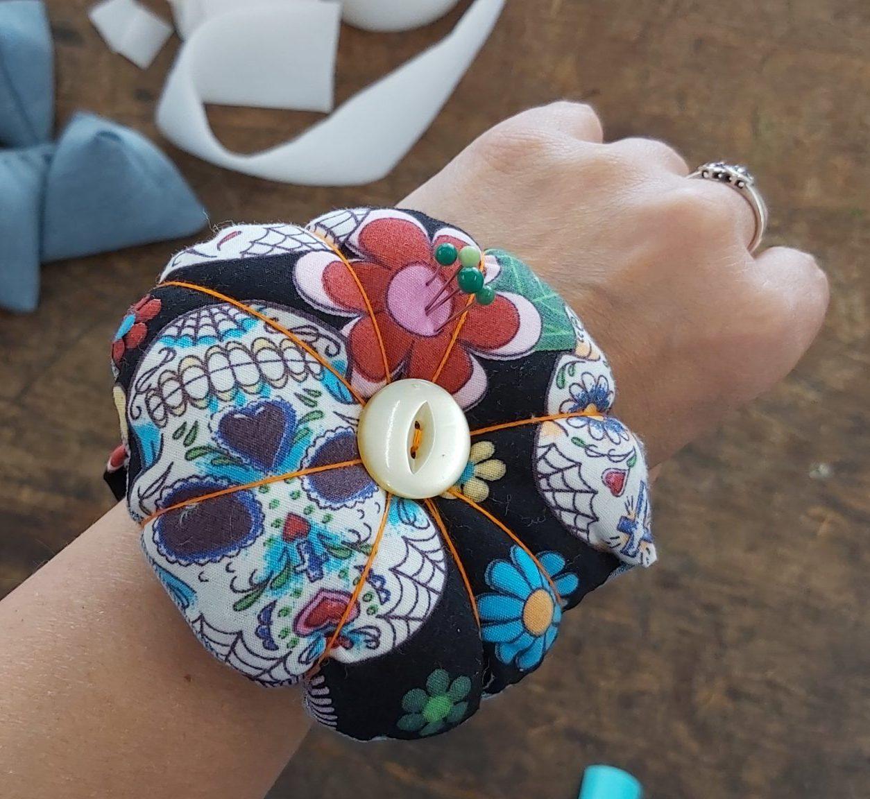 Wrist Pin Cushion Tutorial
